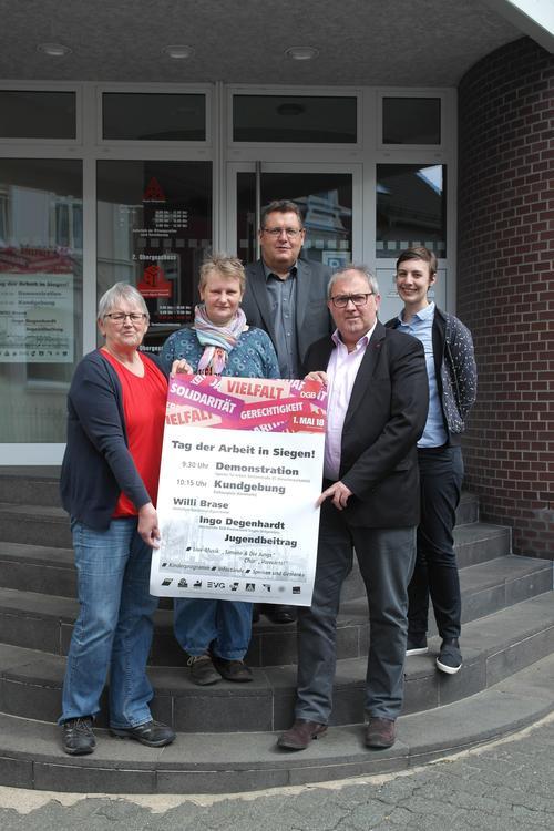 Siegen: DGB-Kundgebung zum Tag der Arbeit wieder auf dem Rathausplatz / Kornmarkt