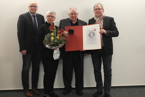 Wolfgang Zeh mit Hans-Böckler-Medaille geehrt