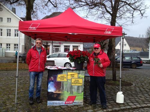 DGB-Infostand in Schmallenberg zum Internationalen Frauentag 2017